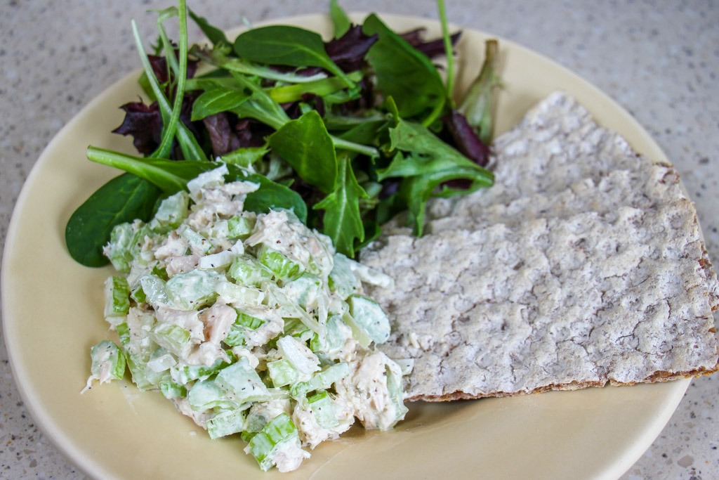 Frugal lunches with tuna, crackers and a simple side salad